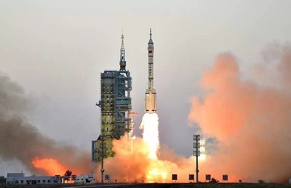 China launches Shenzhou XI manned spacecraft to Chinese Space Laboratory