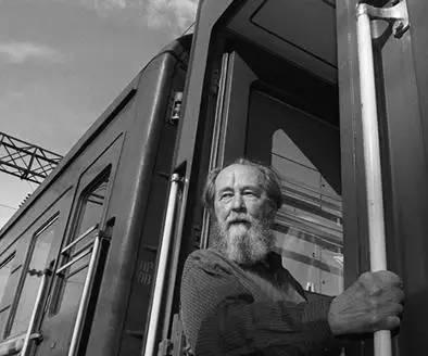 索尔仁尼琴,摄于1994年,流亡二十年后回到俄罗斯