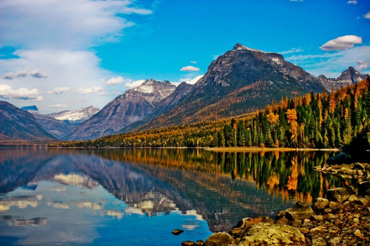 Windows 10 Fall Usa Wallpapers 4k Antelope Canyon Thor S Well Bear Lake Lake Mcdonald