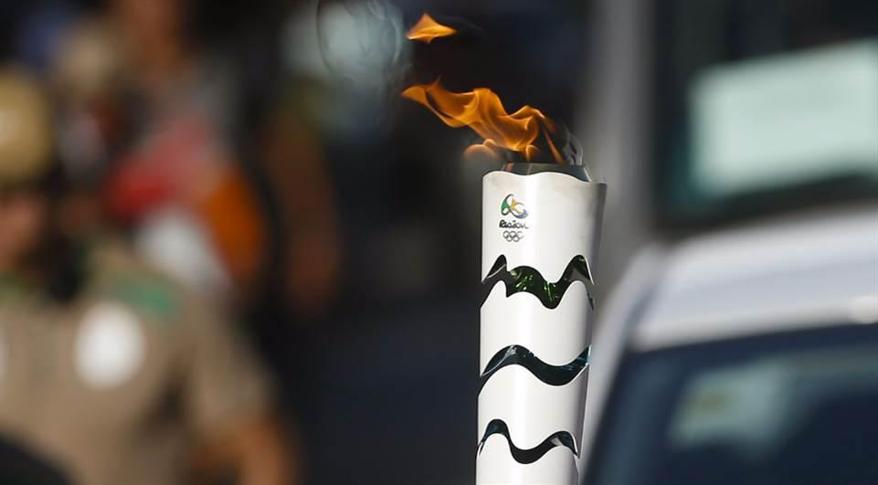 Tocha olímpica chega à Vila Mariana