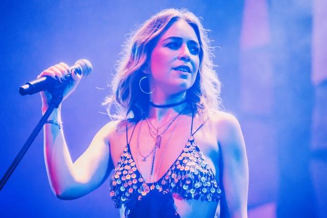 "Roberta Sá canta no Sesc Vila Mariana, em turnê de lançamento do DVD ""Delírio no Circo"""