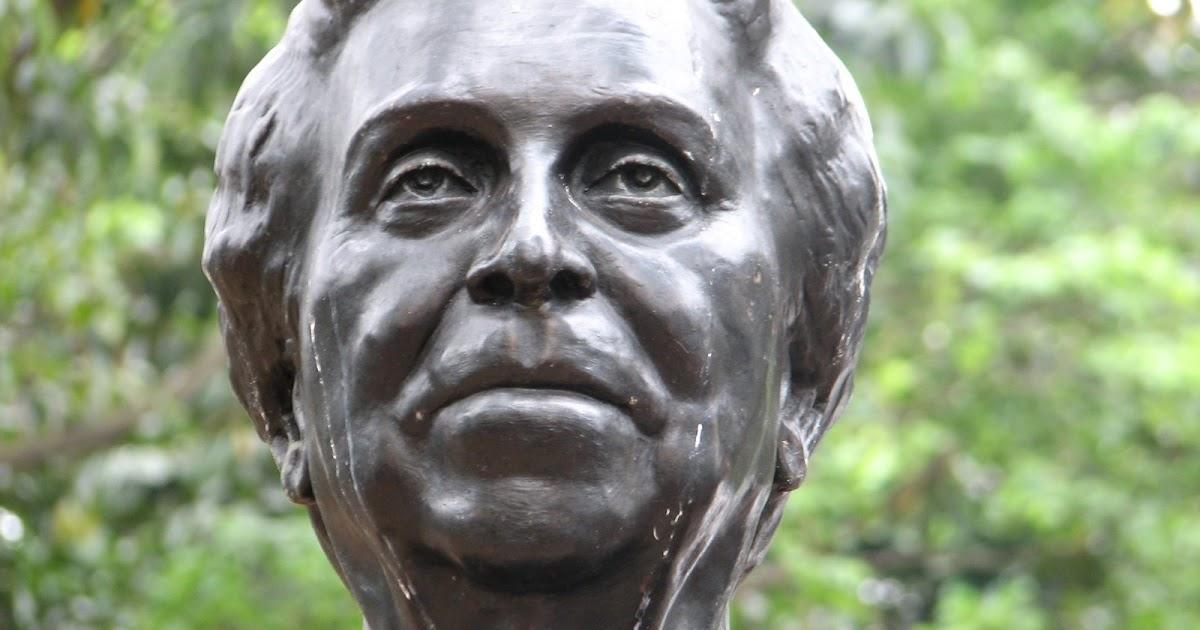 Ruas: Quem foi a Professora Carolina Ribeiro?