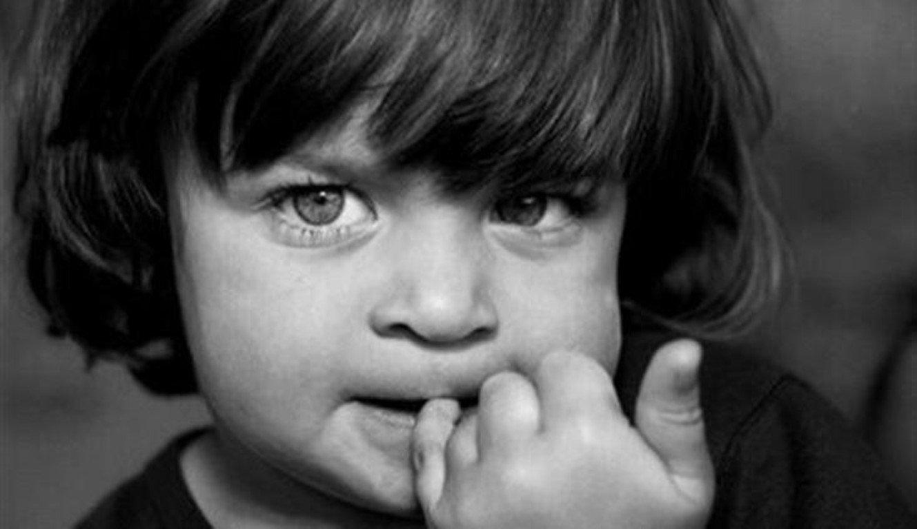 Tiques na infância: Como lidar?