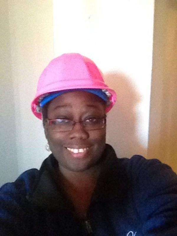 Cute contractor Mia