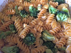 Meatless Monday Buffalo Broccoli Pasta Bake