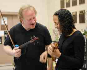 teach your students improvisation with a violin school residency