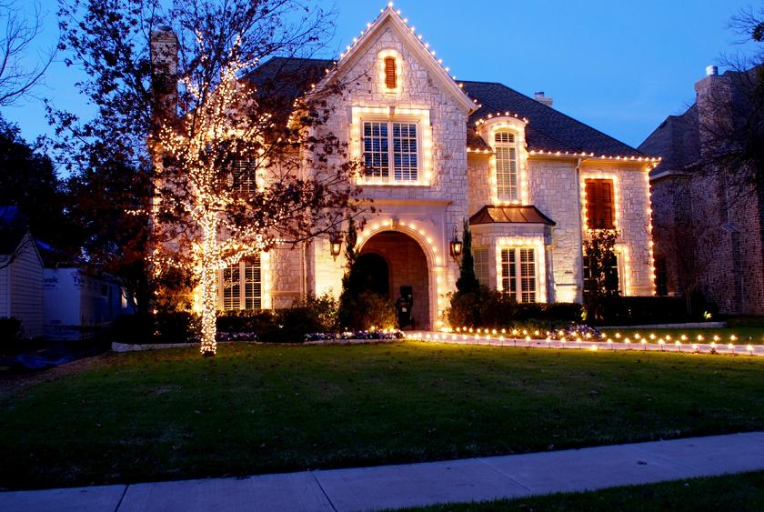 Mind blowing Christmas Lights Ideas for Outdoor Christmas - outdoor christmas lights decorations