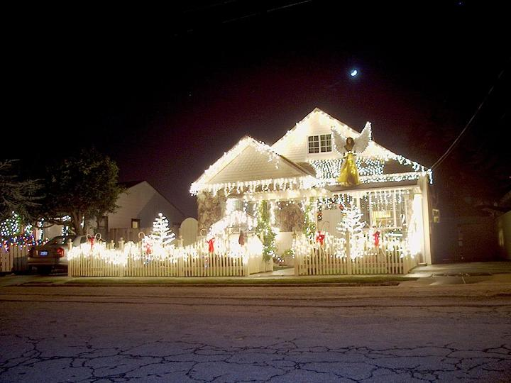 Mind blowing Christmas Lights Ideas for Outdoor Christmas - outdoor led christmas decorations