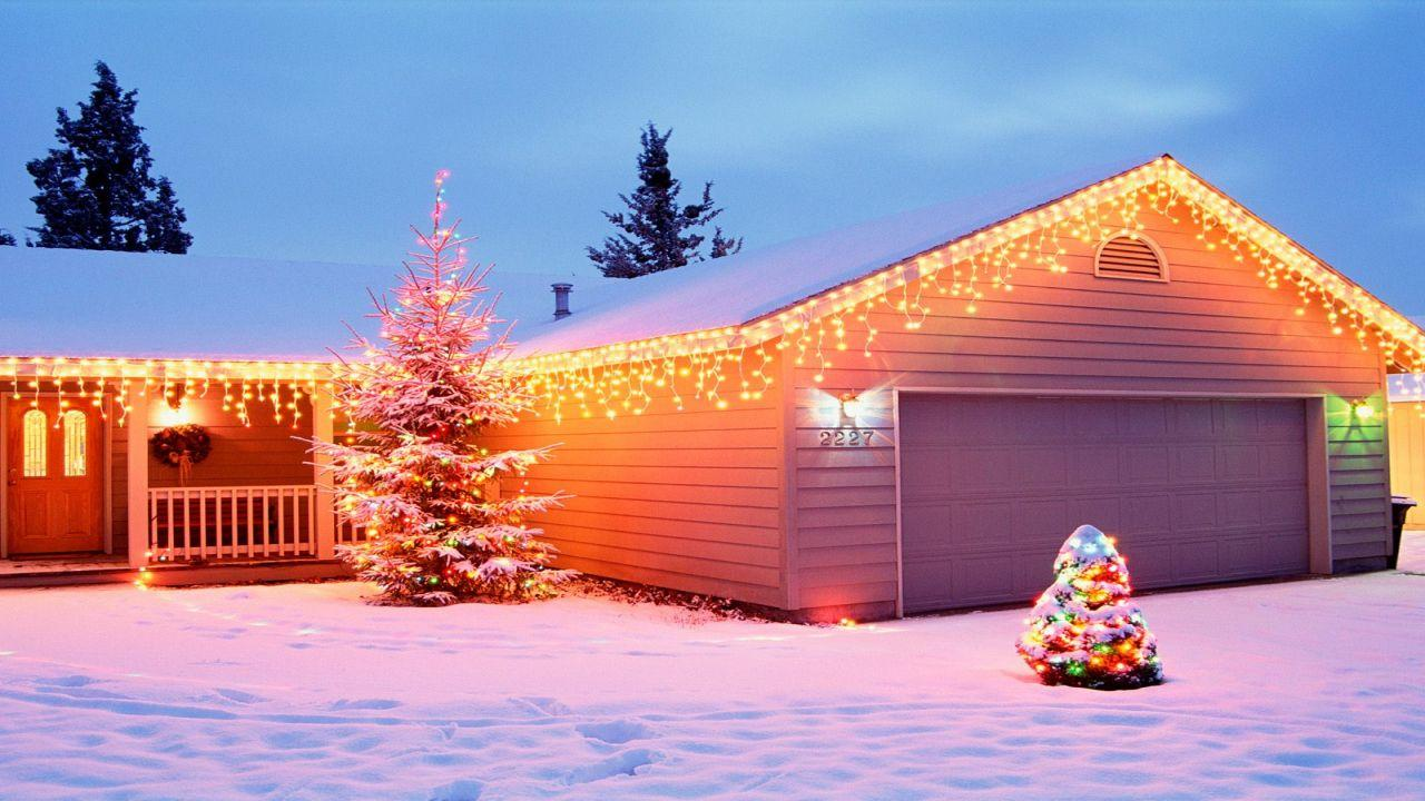 Outdoor Light Ideas Christmas Simple And Warm Outdoor Christmas House Lighting Ideas