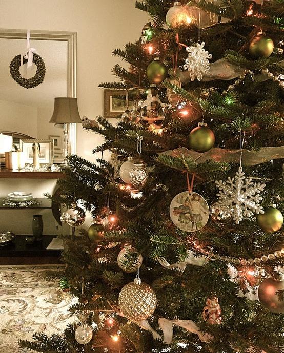 Top Vintage Christmas Tree Decorations - Christmas Celebrations - beautiful decorated christmas trees