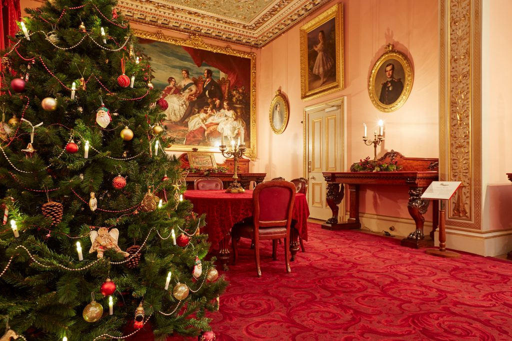 top victorian christmas tree decoration ideas christmas saveenlarge - Victorian Christmas Tree Decorations To Make
