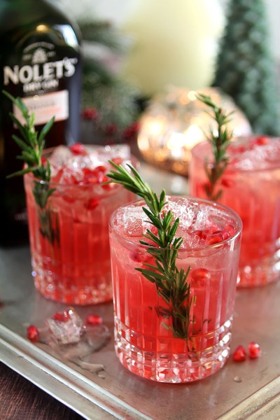 40 Mouthwatering Christmas Cocktails Presentation Ideas - All About Christmas
