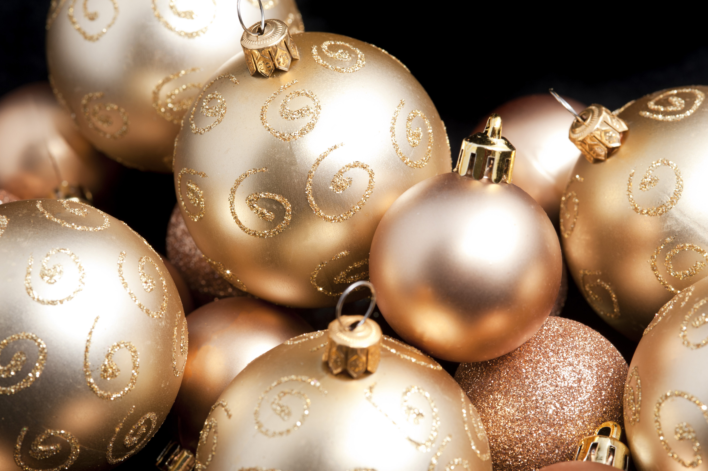 Christmas 3d Wallpaper Download Photo Of Golden Christmas Balls Free Christmas Images