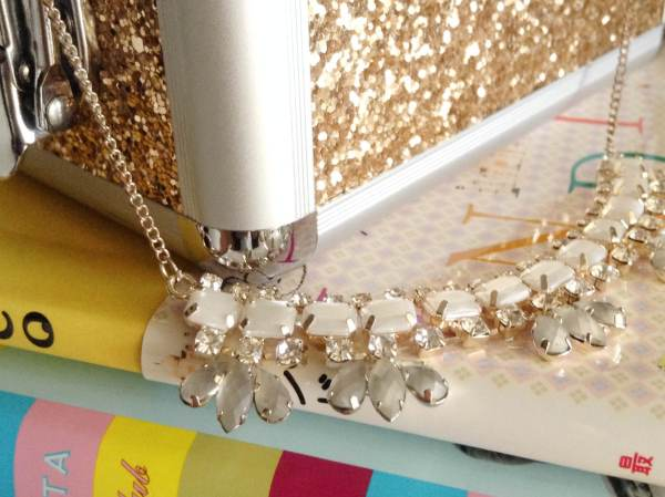 Accessorize statement necklace w gold2