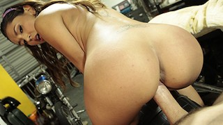 Mofos - Perfect petite Serena Torres gets fucked