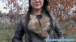 PublicAgent Emo chick has sex in the woods