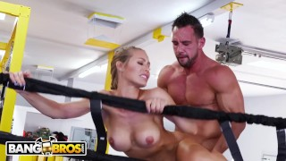 BANGBROS - Sweaty PAWG Nicole Aniston Fucks Her Trainer In Boxing Ring