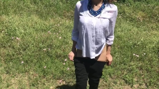 Teen girl diosaera cum at the same time with her partner and squirt like a
