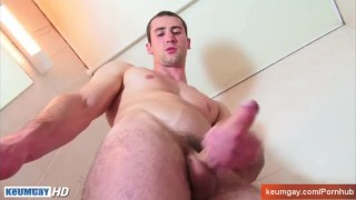 Full-video : Guome real straight guy in a gay porn in spite of him