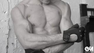 Naked male bodybuilder shows his huge big cock after hard workout