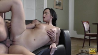 Hunt4K. Brunette princess wants new ring so why spreads her legs