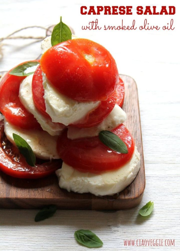 Caprese salad with smoked olive oil - Ciao Veggie