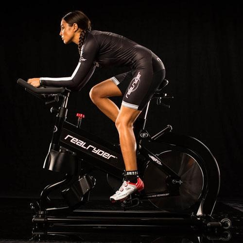 evita-lesiones-en-spinning-la-postura-correcta
