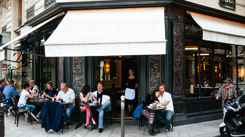 Travel Guide Paris France