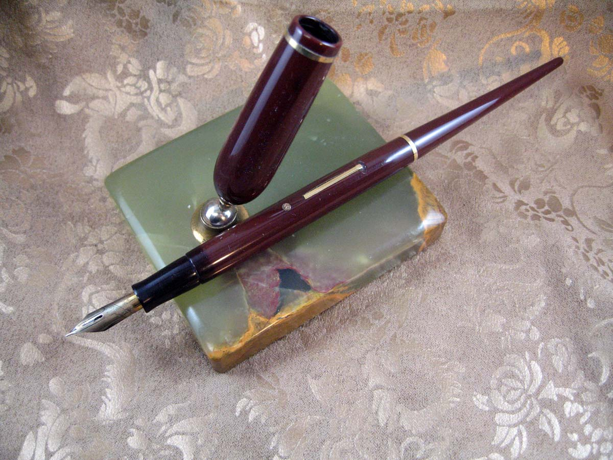 Pens Desk Sets Eversharp Skyline Desk Set Burgundy Pen And Onyx Base