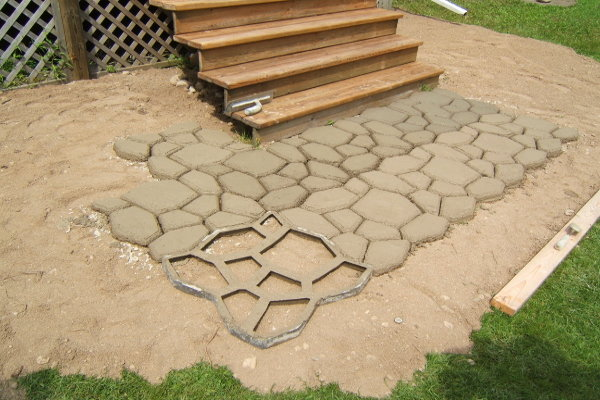Hardscaping An Alternative To A Plant Based Landscape