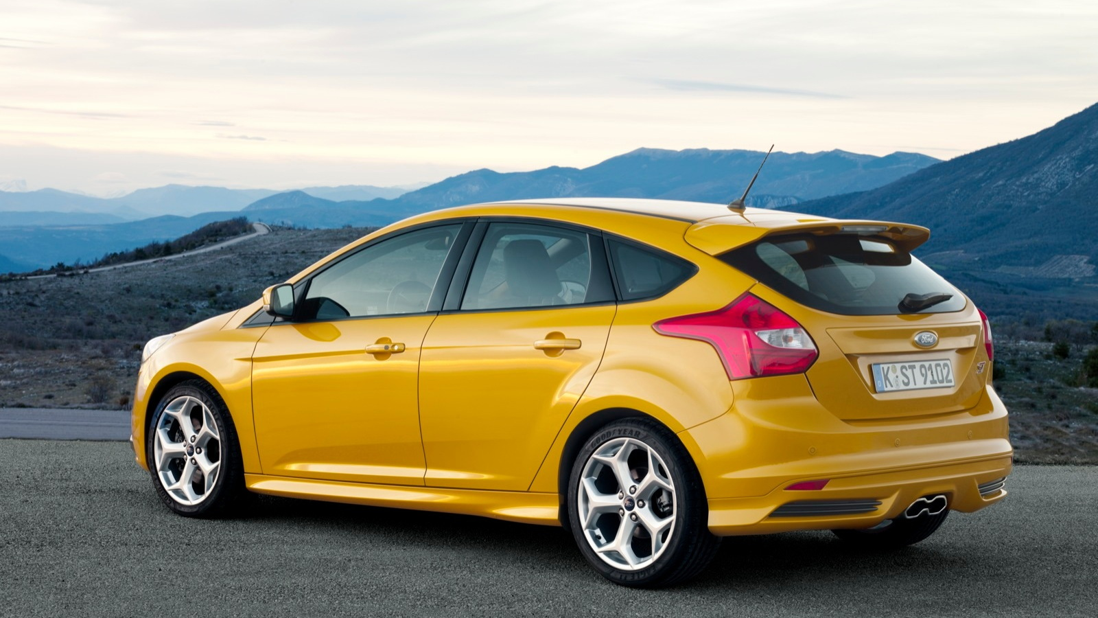 Buy A Ford Focus 2013 Ford Focus St Best Car To Buy 2013 Nominee
