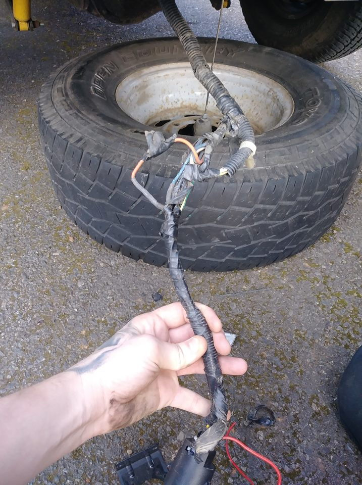 Trailer wiring diagram 99 F250 Need to fix plug for camper - Ford