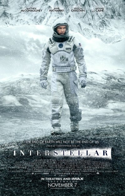 Interstellar es una película de ciencia ficción dirigida y escrita por los hermanos Christopher y Jonathan Nolan