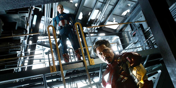Chris Evans et Robert Downey Jr dans The Avengers de Joss Whedon