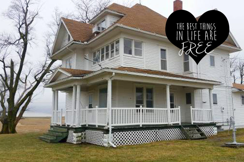 Spotted on Craigslist! A Free Farmhouse in Iowa CIRCA Old Houses
