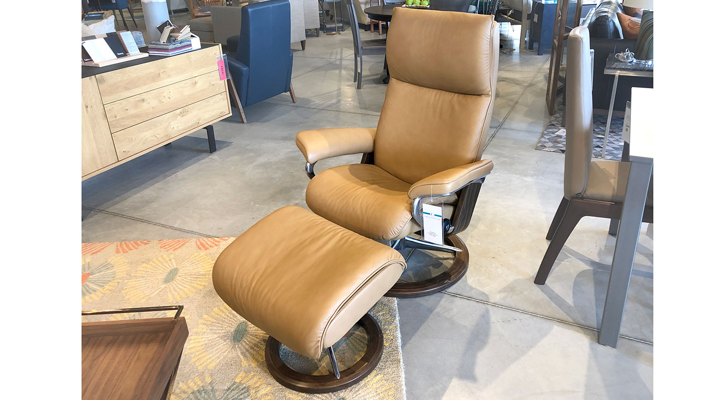 Stressless Outlet Circle Furniture Aura Stressless Recliner In Almond