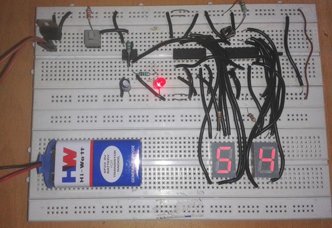 Digital Stopwatch Circuit Diagram using 555 Timer IC  CD 4033
