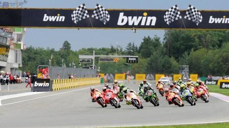 Start-of-the-2014-Czech-Republic-Grand-Prix