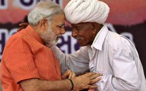modi-with-farmer-pti-story_647_061117010259
