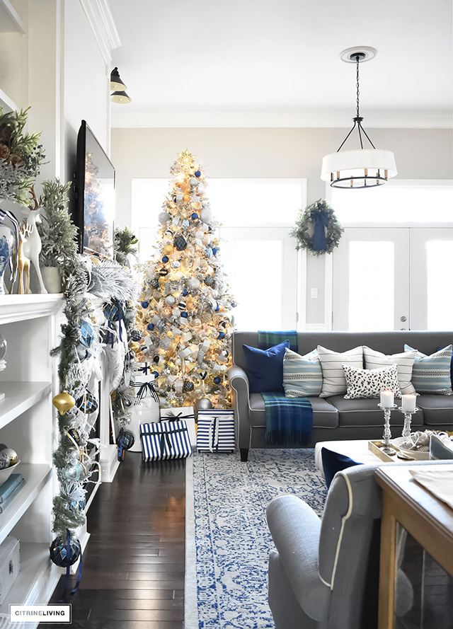 CHRISTMAS HOME TOUR  LIVING ROOM WITH BLUE, WHITE AND GOLD