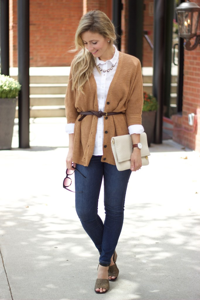 white-oxford-buttonup-fall-preppy-outfit