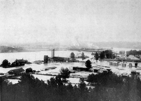 Walterdale Walter's Flats John Walter Lumber Mill Bldgs. - Houses - Power Plant (City) Bridges - 105 Street (Walterdale) North Saskatchewan River Transportation - City of Edmonton Steamer. Image courtesy of the City of Edmonton Archives EA-10-250.