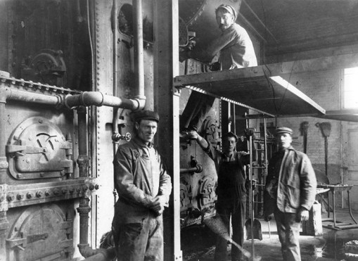 Rat Creek Incinerator, interior photograph of men working, circa 1913. Photographed by Mrs. Gladys Hanson. Image courtesy of the City of Edmonton Archives EA-232-2.