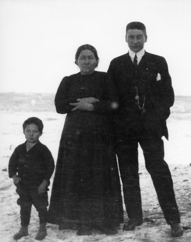 Alex Decoteau, his mother Mrs. Pambrum, and Peter Decoteau, circa 1910. City of Edmonton Archives. EA-302-68.