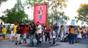 001. Por el Día del Trabajo salen de procesión el Niño Jesús de la Caja y la Niña Julieta del Pescado