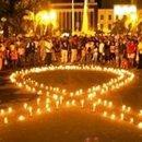 """15. """"A la Luz de las Velas de Recife"""" recuerda víctimas del sida"""