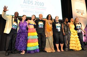 00. Culmina AIDS 2010 con progresos científicos, energías renovadas y la necesidad de más recursos y más derechos