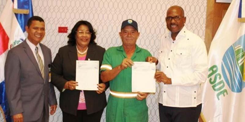 ASDE entrega regalía pascual con transferencias fondos no autorizados