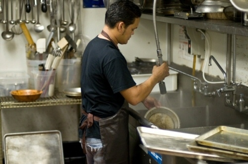 16 Things the Restaurant Industry Doesn\u0027t Want You to Know Civil Eats - restaurant busboy