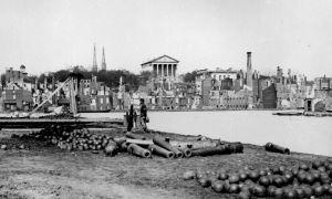Richmond, 1865-en'wikipedia'org@wiki@Richmond_in_the_American_Civil_War#mediaviewer@File~Richmond_Civil_War_ruins